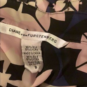 Diane Von Furstenberg Dresses - Diane von Furstenberg • Silk Floral Shift Dress •6